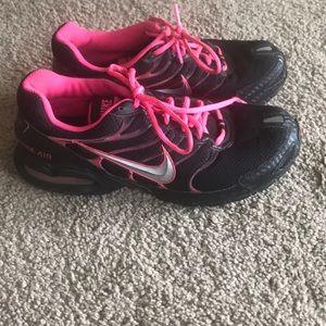 Nike Tennis Shoes. Max Air